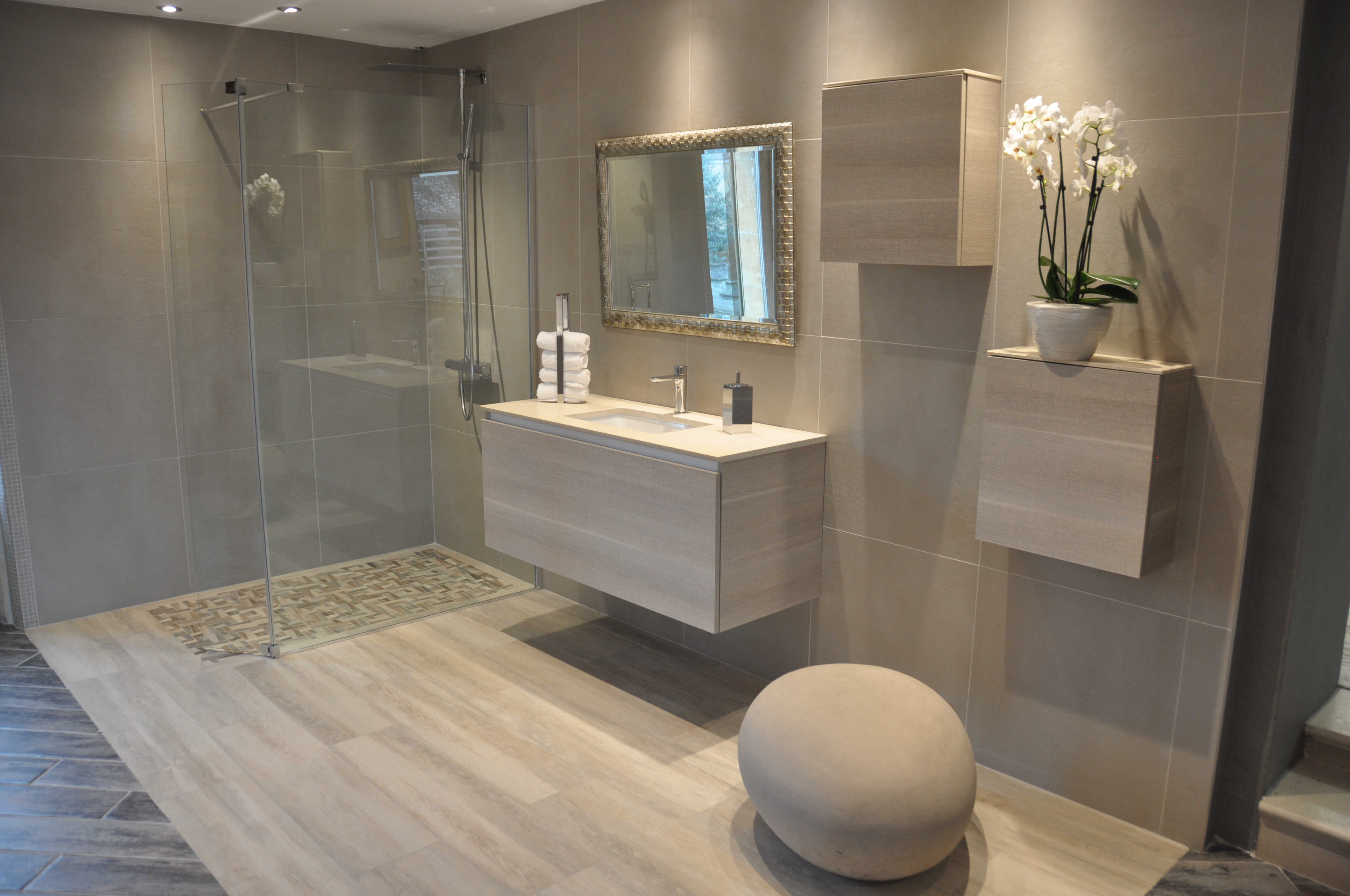Tadelakt salle de bain video for Idee carrelage douche